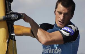 Przepłynie Bałtyk na desce windsurfingowej