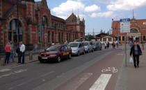 Taksówkarze wrócili przed Dworzec Główny w...
