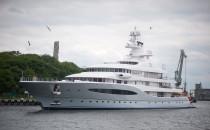 Warty 100 mln dolarów jacht zacumował w...