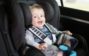 Foteliki samochodowe dla dziecka - jak wybrać odpowiedni?