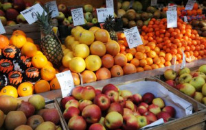 Sezonowe owoce i warzywa - jedz, ale z umiarem
