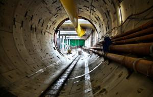 Dziennie powstaje 4,9 m tunelu pod Wisłą. Dlaczego tak mało?