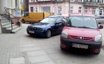 Parkingowy chaos na ul. Wajdeloty