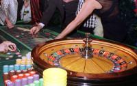 """Chcesz zorganizować imprezę w stylu """"Casino Royale""""? Uważaj, celnicy mogą dać ci mandat"""