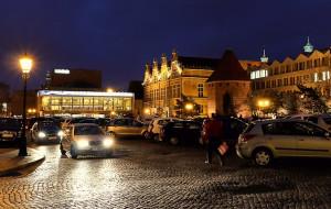 Mieszkańcy chcą Targu Węglowego bez aut