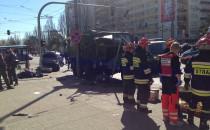 Wypadek wojskowej ciężarówki w centrum Gdyni