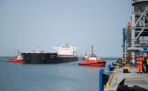 Statek z rekordowym ładunkiem węgla w...