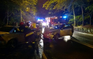 Czołowe zderzenie na ul. Malczewskiego