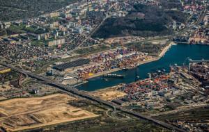 Kolej na północ Gdyni pojedzie obok portu