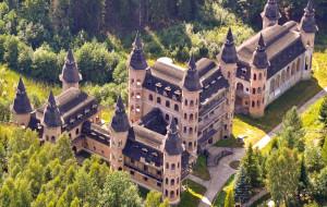 Wyjątkowy zamek w kaszubskich Łapalicach