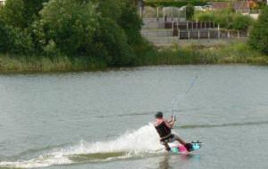 Wskocz na deskę na Jeziorze Osowskim