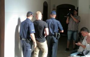 2 lata i 8 miesięcy więzienia za atak nożem na syna Ryszarda Krauze i jego ochroniarza