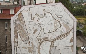 Mapa Gdańska z czapką i spodenkami na Dolnym Mieście