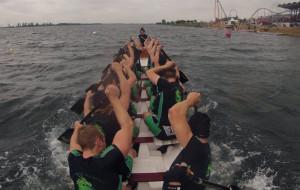 Spróbuj treningów na smoczych łodziach