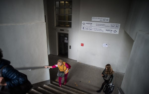 Winda na peron na Przymorzu zadziałała po pięciu miesiącach i od razu się popsuła