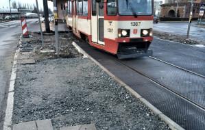 Przeszkody dla pieszych po remoncie linii tramwajowej