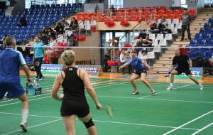 Zagraj w badmintona z profesjonalistami