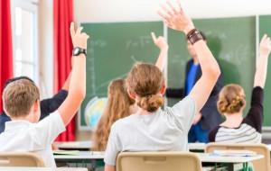 MEN wyposaży gimnazja w darmowe podręczniki