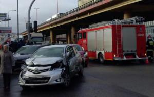 TIR staranował osiem samochodów w Gdyni