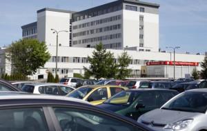 Odwieczny problem: parkowanie przed szpitalami
