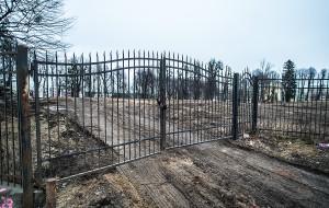 Właściciel posprzątał zaniedbany park na Morenie