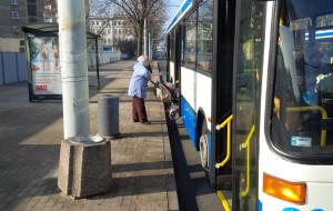 Kierowcy autobusów nie pomagają wysiadać?