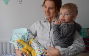 Uszyje kocyki dla noworodków z oddziałów położniczych