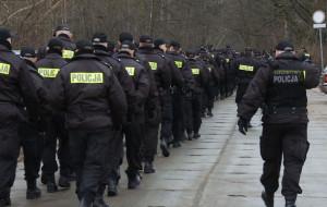 150 policjantów przeszukało park w Brzeźnie