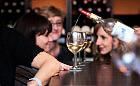 Kobiety, wino i śmiech