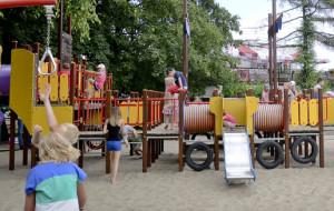 Gdynia: plac zabaw na plaży będzie oświetlony