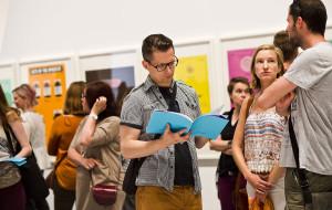 Tłumy na wernisażu wystawy Damiena Hirsta