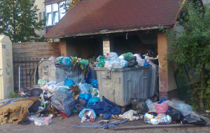 Przetarg ze szkodą dla mieszkańców. Śmieciowy problem mieszkańców Kiełpina Górnego