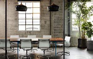 Funkcjonalność i minimalizm - trendy w projektowaniu przestrzeni biurowych