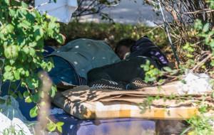 Bezdomni niechcianą wizytówką skweru w centrum Gdyni