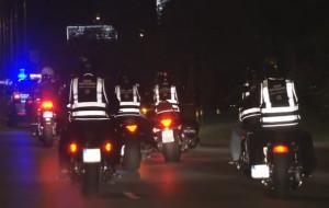 Motocykliści w odblaskach przejechali przez Gdańsk