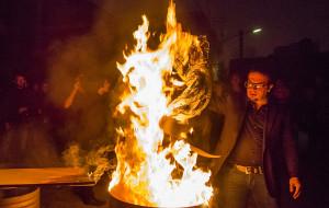 Kup obraz, bo inaczej spłonie. Niecodzienne widowisko w Gdańsku