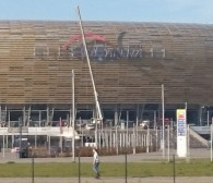 """Znika logo """"PGE"""" ze stadionu w Letnicy"""