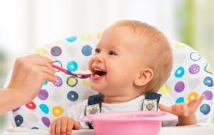 Kiedy dziecko poznaje nowe smaki