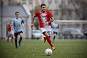 Piłkarze radzą sobie bez boiska oraz z długami