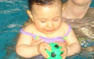 Na basen zabierz już 3-miesięczne dziecko