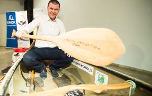 Canoe z rekordowego spływu Amazonką w Narodowym Muzeum Morskim