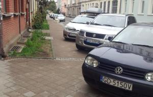 Na remontach chodników korzystają głównie auta