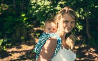 W czym nosić dziecko, czyli chusty i nosidełka