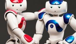 Roboty podobne do człowieka w Centrum Hewelianum
