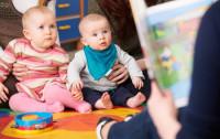 Od kiedy czytać dziecku? Od urodzenia