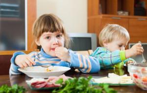 Naucz dziecko dobrych nawyków żywieniowych