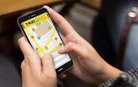 Taksówkarze walczą o klientów aplikacjami