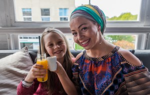 Mała Gigantka  i duża Idolka: rozśpiewane aktorki z Gdyni