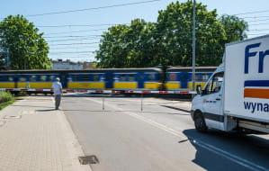 Bezproblemowy przejazd przez tory w Chyloni najwcześniej za 5 lat