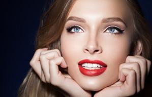 Czerwień na ustach - uniwersalna i ponadczasowa